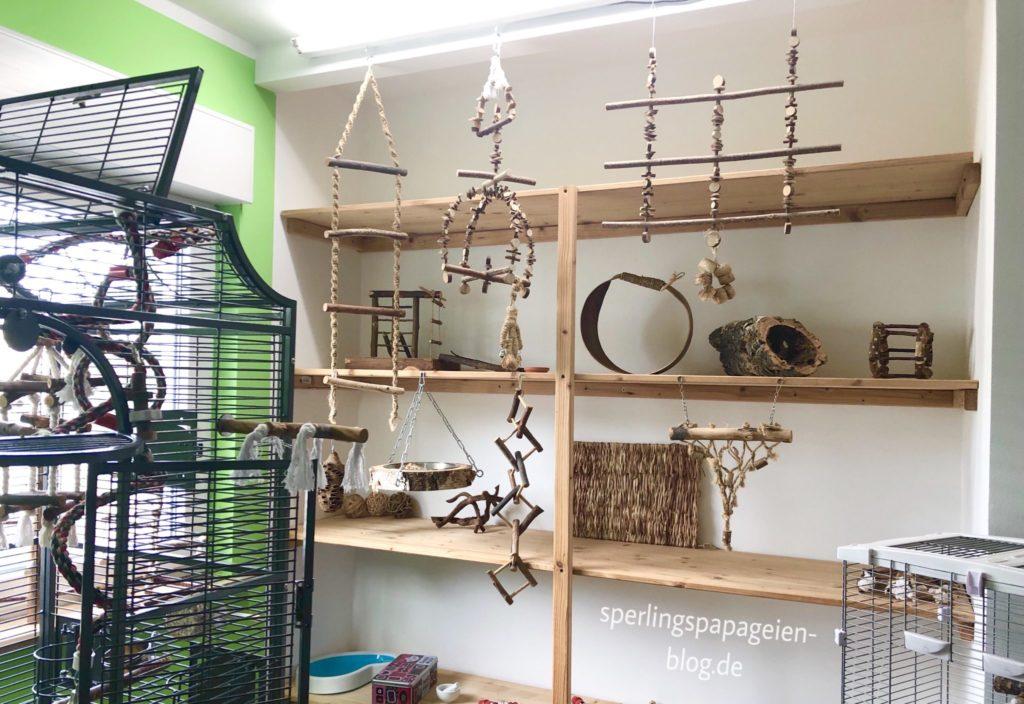 Spielplatz für Papageien für den Freiflug